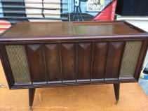 MID CENTURY STEREO CONSOLE 3