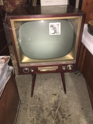 MID CENTURY TV SET