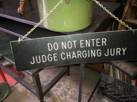 JUDGE CHAMBER SIGN