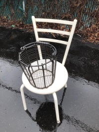 POST MODERN CHAIR