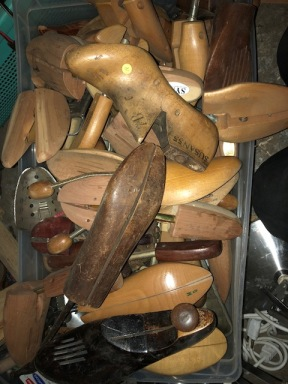 VINTAGE SHOE STRETCHERS