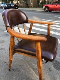 MID CENTURY MODERN CHAIR 2