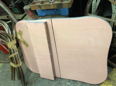 PINK RETRO TABLE