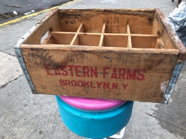 WOOD CRATE FOR SOUR CREAM