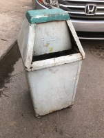 INDUSTRIAL GARBAGE CAN