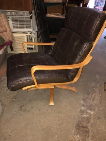 OBERMAN LOUNGE CHAIR 2