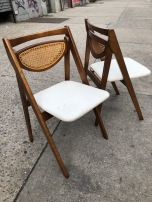 MID CENTURY WICKER FOLDING CHAIR