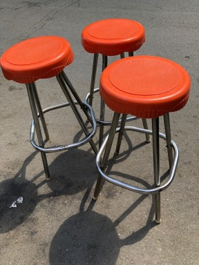 RETRO ORANGE STOOLS