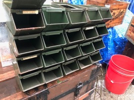INDUSTRIAL STORAGE TRAYS 3