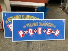 LIGHT UP POKER SIGN