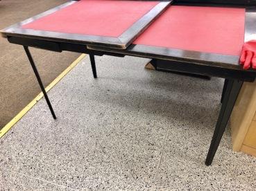 EXPANDING FOLDING TABLE