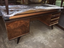 MID CENTURY MODERN LARGE WOOD DESK