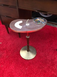 MID CENTURY ASH TRAY ON STAND