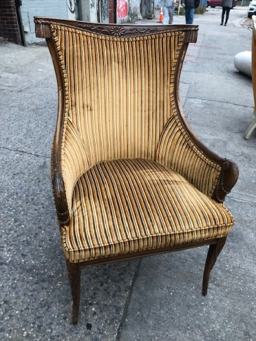 ROYAL VELVET CHAIR