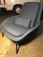 BLUE DOT WOMB CHAIR 2