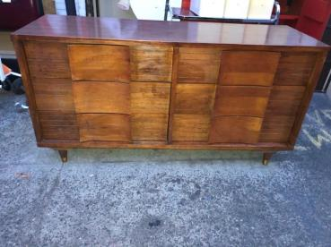 JOHNSON CARPER DRESSER