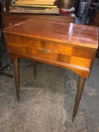 MID CENTURY MODERN SMALL DESK
