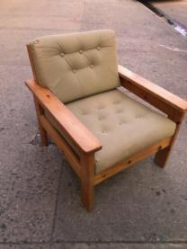 COUNTRY LOUNGE CHAIR