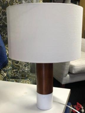 DESIGN WITHIN REACH LAMP