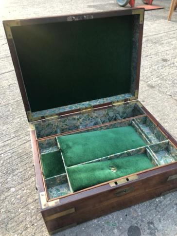 JEWELRY BOX INSIDE
