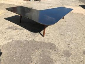 BOOMERANG COFFEE TABLE2