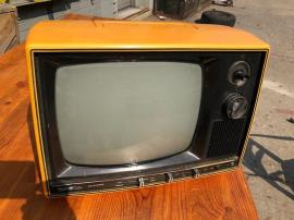 YELLOW TUBE TV