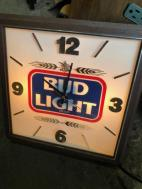 LIGHT UP BUD CLOCK