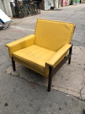MID CENTURY CHAIR 3