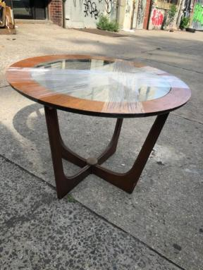 MID CENTURY SIDE TABLE4