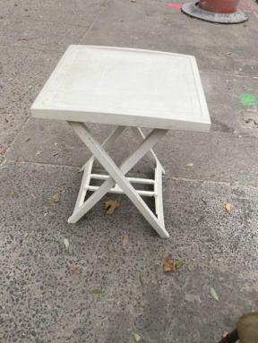 ITALIAN FOLDING TABLE