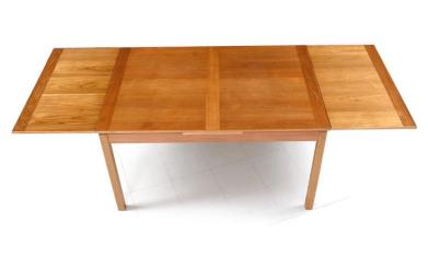 DANISH MODERN EXPANDING TABLE
