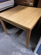 EXPANDING WOOD TABLE