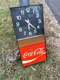 VINTAGE COKE CLOCK