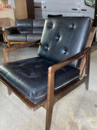 MID CENTURY LOUNGE CHAIR WITH CUSHIONS