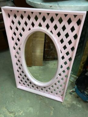 PINK LATICE MIRROR