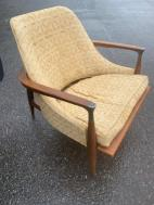 MID CENTURY CHAIR2