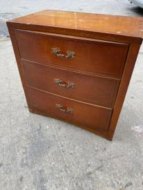 WOOD 3 DRAWER DRESSER
